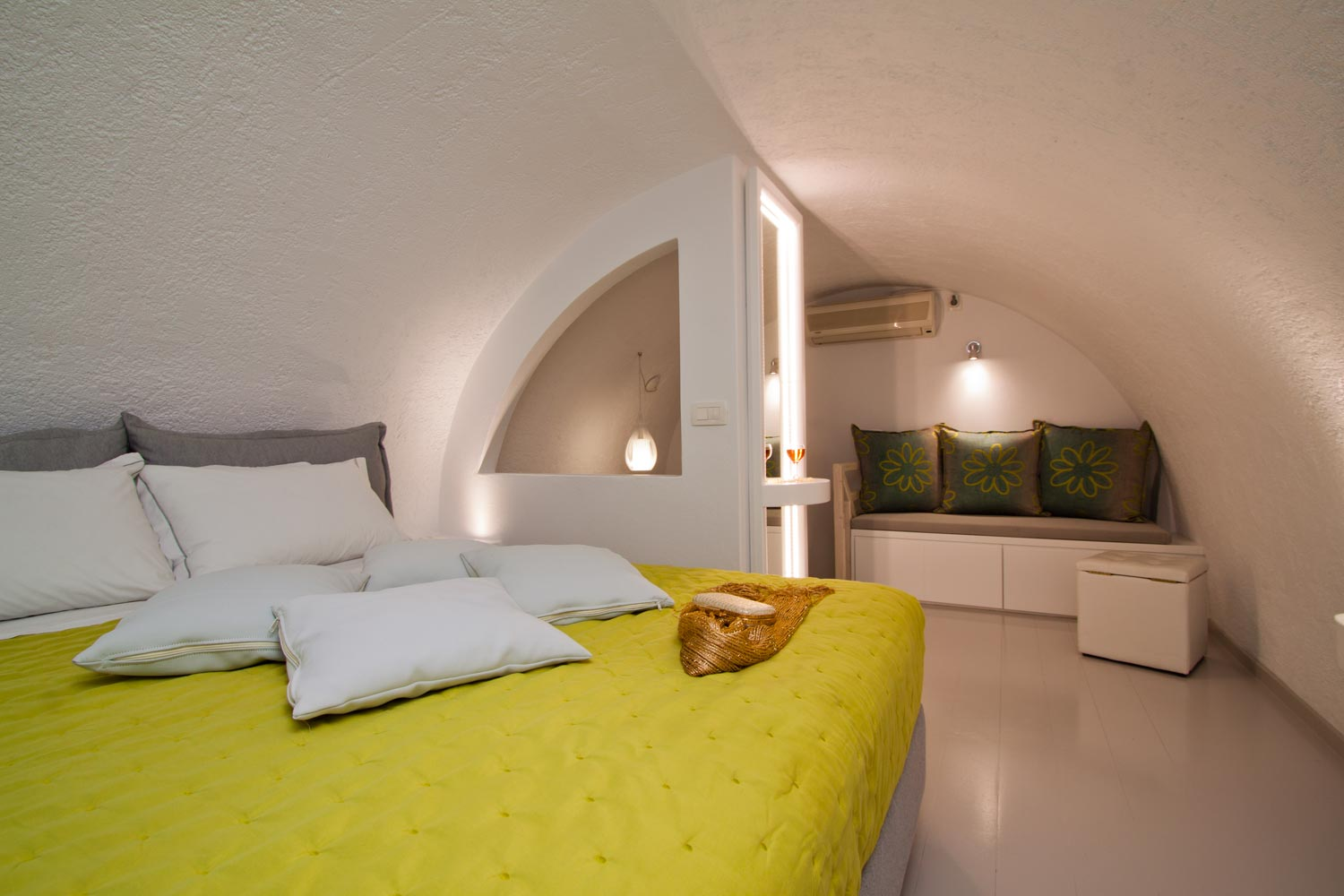 nemesis-accommodation-santorini-island-greece-studio-room6