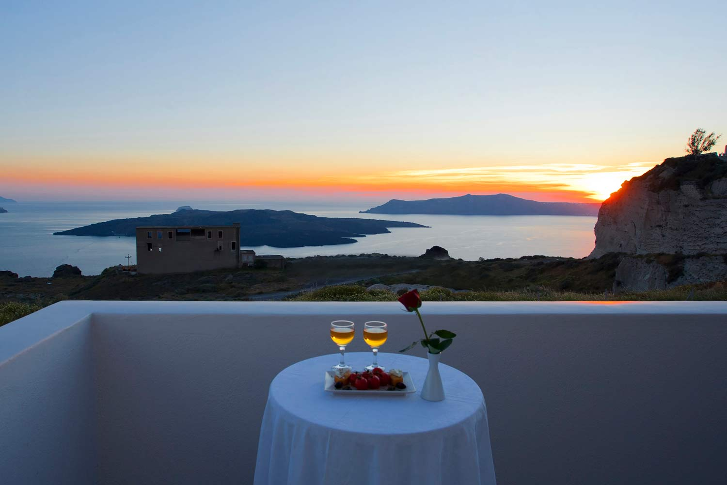 suite-room-caldera-view-accommodation-in-nemesis-hotel-santorini-rooms127
