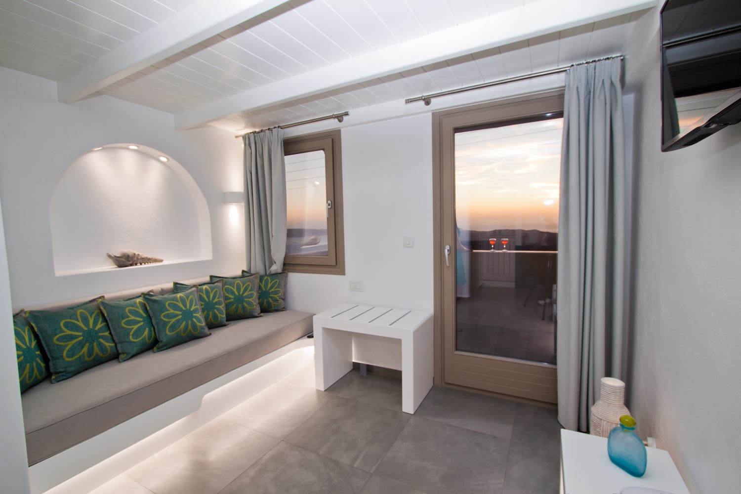 nemesis-accommodation-santorini-island-greece-studio-room12